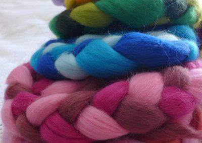 Creatividad con lana cardada y peinada